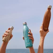 amazon com s u0027well teakwood water bottle 17 oz kitchen u0026 dining