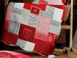 linge de lit style chalet montagne couvre lit boutis polyester 220x240cm taies volant 65x65cm
