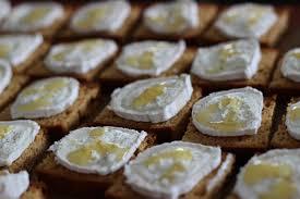 recette de canapé avec de mie toasts d epices chevre miel les petits plaisirs de doro