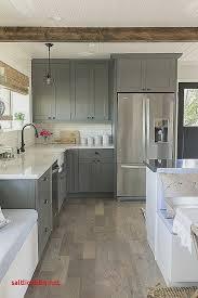 plinthes pour meubles cuisine plinthe bois pour meuble de cuisine pour idees de deco de cuisine