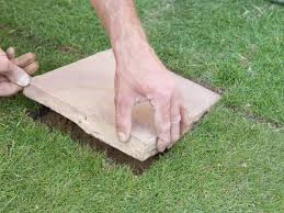 Diy Patio Pavers Installation by How To Lay Stepping Stones How Tos Diy