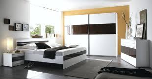 chambre moderne blanche deco chambre rectangulaire unique awesome chambre moderne adulte