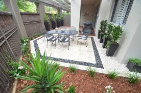 courtyard designs landscaped courtyard designs ideas features a landscaped