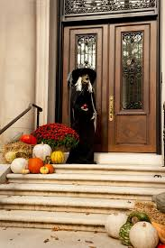 Decorating The Entrance To Your Home Complete List Of Halloween Decorations Ideas In Your Home