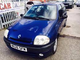 renault clio 1 4 s petrol manual 2000 sunroof in longsight