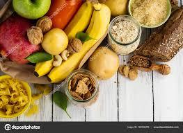 alimenti ricchi di glucidi prodotti ricchi di carboidrati complessi â foto stock â happy lark