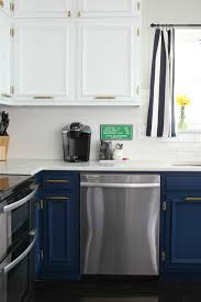 Two Toned Kitchen Interior The Diy Designer Two Toned Kitchen Makeover With Video Nooga Com