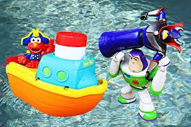 Elmo Bathroom Set Elmo Bath Adventure Steamboat Bath Toy With Disney Characters At