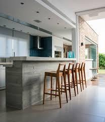 cuisine bois beton plan de travail béton ciré pour l îlot de la cuisine design bar