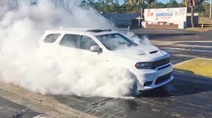 jeep durango 2018 dodge durango srt 2018 burnout youtube