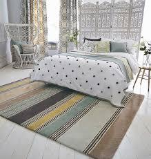 Schlafzimmer Teppich Kaufen Die Richtige Teppichgröße Für Jeden Raum Bestimmten Raumkult24
