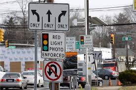 avoiding red light camera tickets bipartisan bill may stop use of speed traffic light cameras in