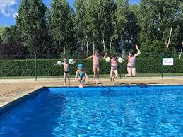 piscine sur pilotis camping moredena morannes sur sarthe daumeray tourisme en