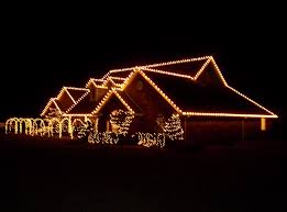 How To Hang Christmas Lights On House by Best Way To Hang Outdoor Christmas Lights Sacharoff Decoration