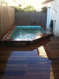 petite piscine enterree piscine semi enterree de luxe piscine en bois rectangulaire une