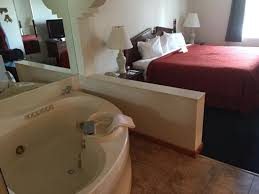 Bed And Breakfast Traverse City Mi King Size Bed And Jacuzzi Tub A Great Room Combination