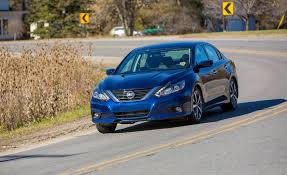 nissan altima reviews 2016 2016 nissan altima pictures photo gallery car and driver