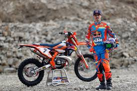 enduro motocross racing ktm enduro racing team is ready for 2017 season autoevolution