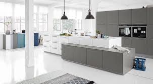 cuisines montpellier cuisine avec cave a vin 1 conception de cuisine haut de gamme