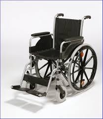 chaise roulante lectrique chaise roulante electrique pour handicapé chaise idées de