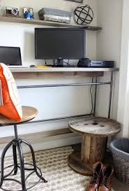 bureau diy ides bureau bureau en bois ides diy trs cool en palette