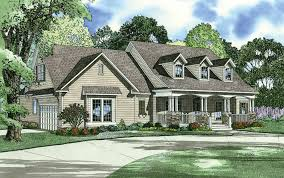 side split house plans house plan with side garage split bedrooms 646 tanglewood drive