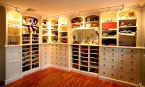 Bedroom Closet Design Ideas To Organize Your Style - Bedroom with closet design