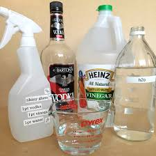 Cleaning Laminate Floors With Windex Hack 5 Alcohol Vinegar Water Can Double As A Diy Windex