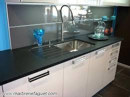 plan de travail cuisine noir granit plan de travail cuisine photo with evier de cuisine