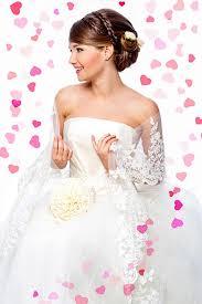 Hochsteckfrisurenen Hochzeit Mit Diadem Und Schleier by Zur Hochzeit Mit Blüten Hochsteckfrisuren Für Die Hochzeit