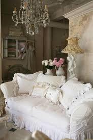 canapé shabby chic shabby chic style 55 idées pour un intérieur romantique shabby