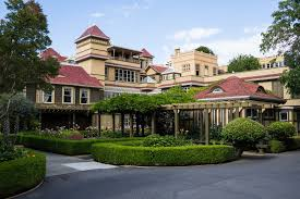 is the winchester mystery house really that mysterious prowling