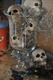 Scary Halloween Decorating Themes by Best 25 Halloween Table Centerpieces Ideas On Pinterest