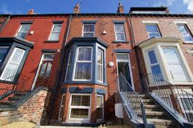 7 Bedroom House by 10 Brudenell Mount 7 Bedroom Leeds Student House Student Cribs