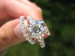 Circle Diamond Wedding Ring by 25 Best Round Cut Engagement Rings Ideas On Pinterest