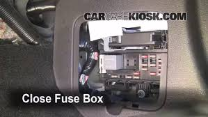 2007 ford mustang fuse box location interior fuse box location 2005 2009 ford mustang 2006 ford