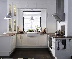küche in u form küchenideen für kleine küchen mit weiße küchenmöbel inklusive