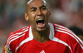 ® - Adoz Mag Soccer N°1 Edition Limité - ®  Images?q=tbn:ANd9GcSWZvxsB8MH_lXK2CMforxQByMHUzpfQlwy5_01qh-5ATc6adzJog