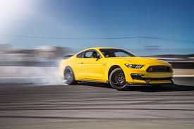 ford canada mustang 2016 ford mustang shelby gt350r front three quarters drift jpg