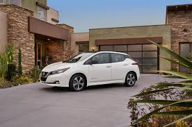 nissan leaf sv vs sl five things you need to know about the 2018 nissan leaf