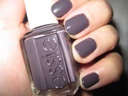 black nail polish essie images