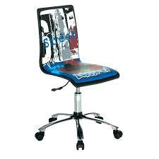 chaise pour bureau enfant chaise de bureau enfant pas cher the doll petit modale of land