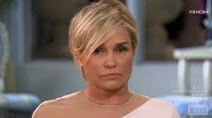 yolanda fosters hair yolanda hadid storms off the set of real housewives reunion
