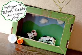 mommy testers what to do with those kiwi crate boxes make a tv
