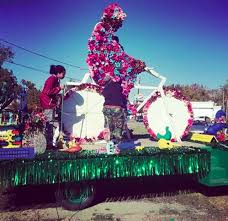 houston thanksgiving parade to honor flower glasstire