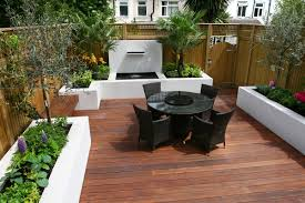 Small Garden Design Ideas Pictures Lawn Garden Impressive Small Gardens Design With Black Wicker
