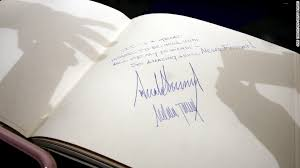 guest books the way president signs guest books is different cnnpolitics