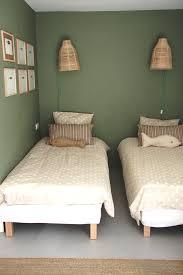 chambre a deux lits cuisine chambre junior deux lits simples villacapmejean chambre