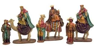 the three wise bearing gifts resin nativity figurines set of