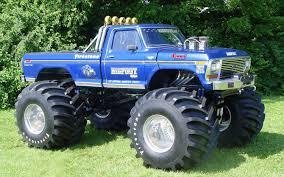 original grave digger monster truck top 10 scariest monster trucks truck trend